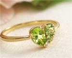 8月の誕生石 ペリドット リング(指輪)